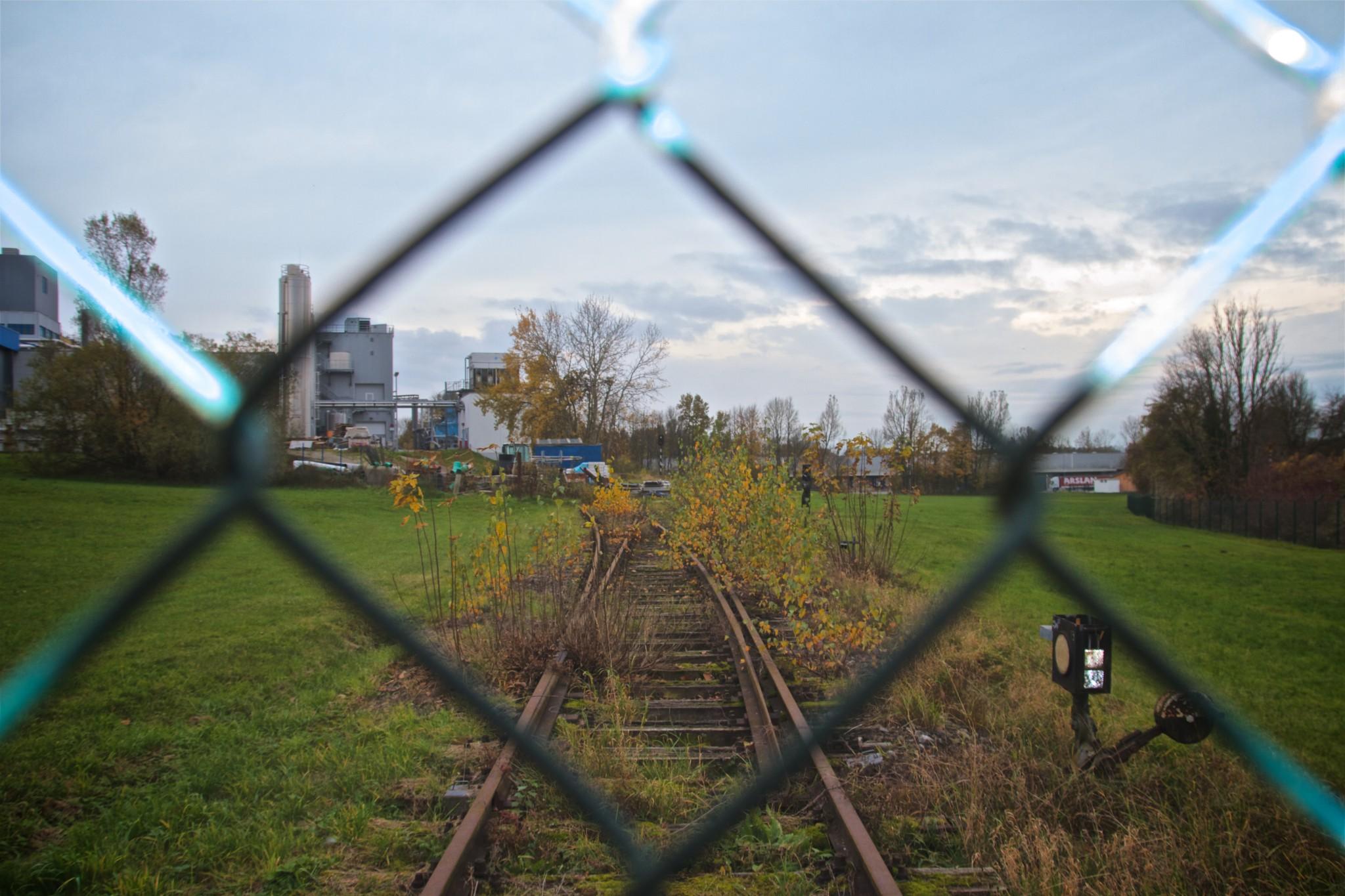 Gleisverlauf mit Nebengleis im Meggle-Gelände